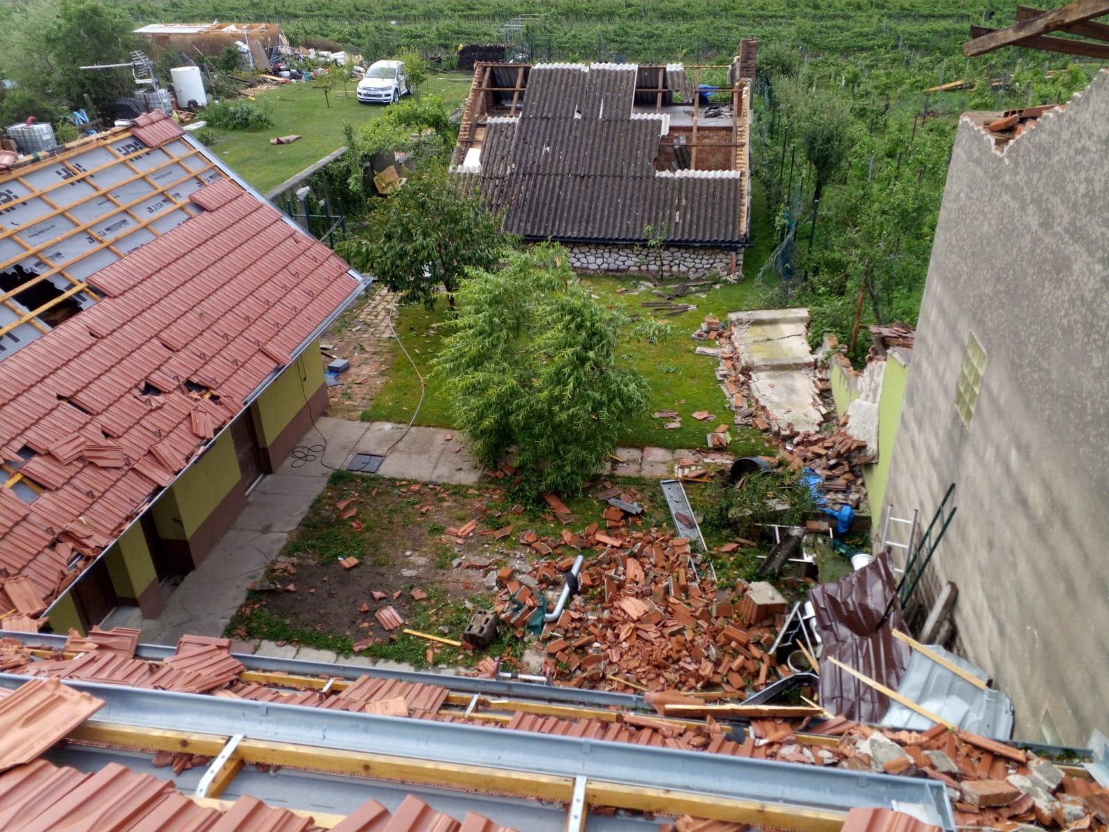 poškozená střecha 3